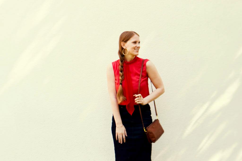 jeansrock-kombinieren-stylen-jeansskirt-creolen-sommer-outfit-look-zopf-flechtzopf-sommerfrisur-blogger-fashion-muenchen-modeblogegerin-muenchen-moreandmore-f2