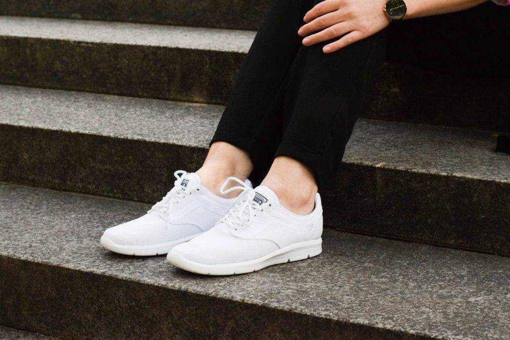 vans-rucksack-sneakers-schuhe-weiß-fashion-blogger-style-modeblogger-outfit-deutschland-vansgirls-1