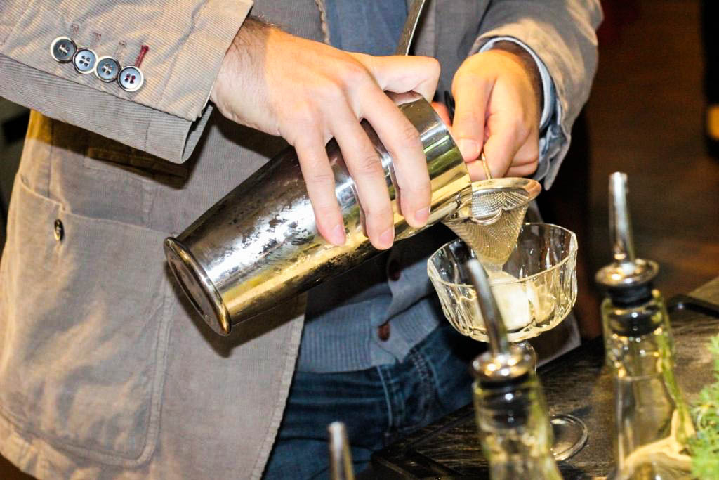 trendmeister-food-event-muenchen-blogger-muenchen-the-charles-hotel-rocco-forte-sophias-bar-cocktail-workshop-mixen-male-maenner-blog