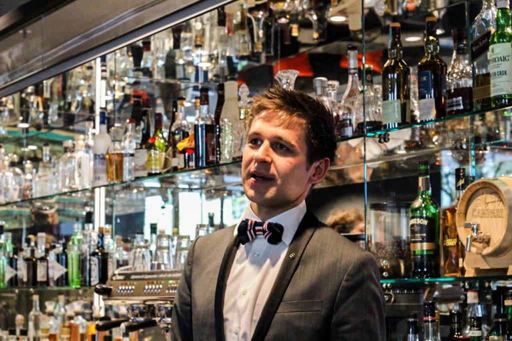 trendmeister-food-event-muenchen-blogger-muenchen-the-charles-hotel-rocco-forte-sophias-bar-cocktail-workshop-roman-kern-mixen-male-maenner-blog