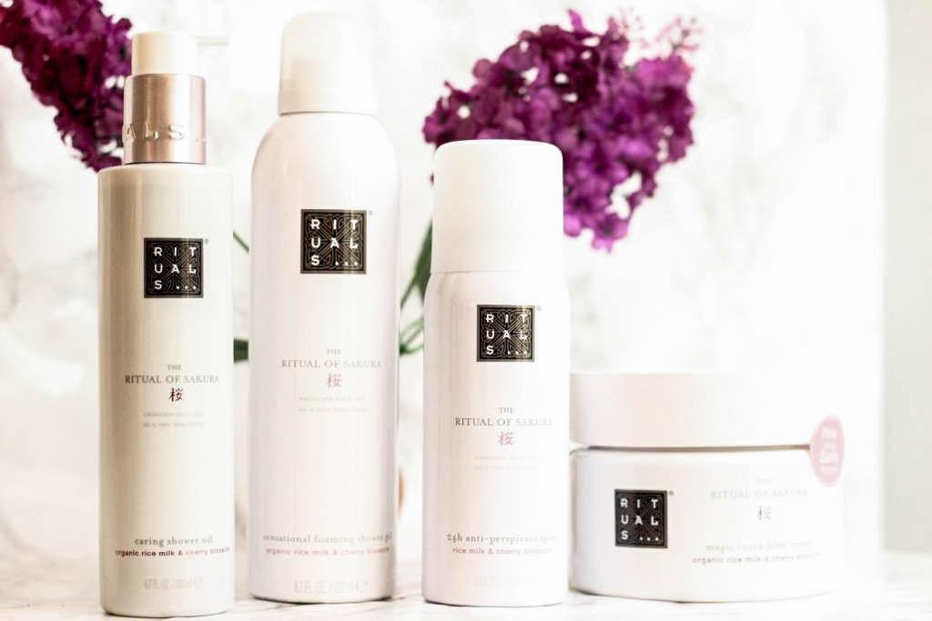 rituals-duschschaum-duschgel-ritual-of-sakura-shower-oil-deo-body-milk-beauty-erfahrungen-1