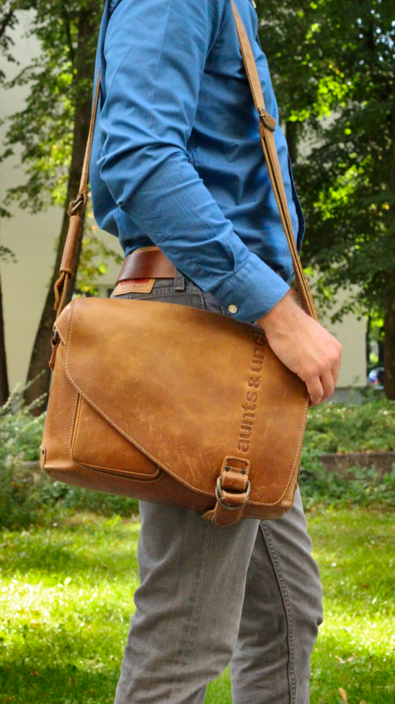 male-blogger-deutschland-muenchen-fashion-style-mode-maenner-outfit-hemd-aunts-unkles-bag-tasche-business-look-hugo-boss-7
