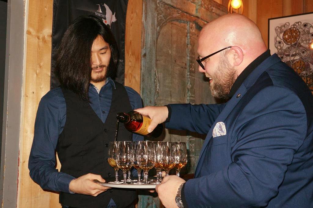 japanischer nikka whisky from the barrel tasting food blog blogger mario kappes jumpei yamamoto. Black Bedroom Furniture Sets. Home Design Ideas